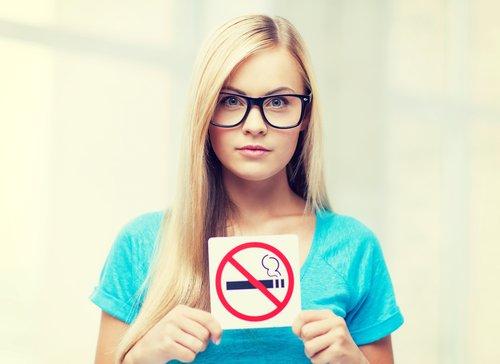 Dejar-de-fumar-mejora-la-memoria-500x364